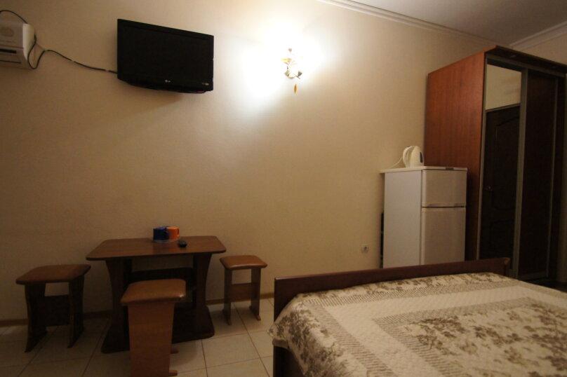3х местный люкс, улица Кирова, 24, Геленджик - Фотография 3