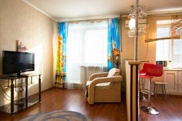 1-комн. квартира, 32 кв.м. на 3 человека, улица Ленина, 60, Красноярск - Фотография 1