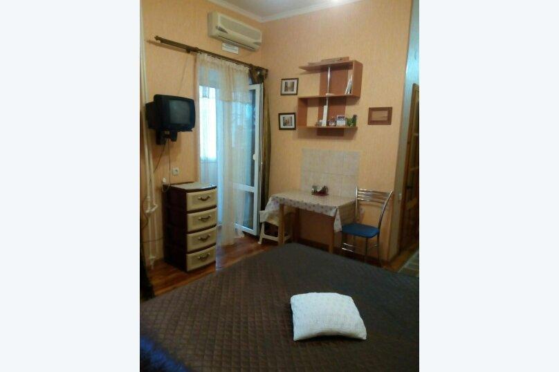 1-комн. квартира, 15 кв.м. на 2 человека, улица Кирова, 3, Феодосия - Фотография 2