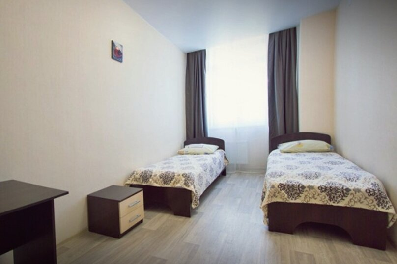 3-комн. квартира, 71 кв.м. на 6 человек, улица Авиаторов, 45, Красноярск - Фотография 4