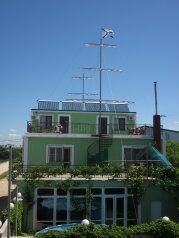 Гостевой дом. Корпус - хостел, СТ Море, 42 на 2 комнаты - Фотография 1