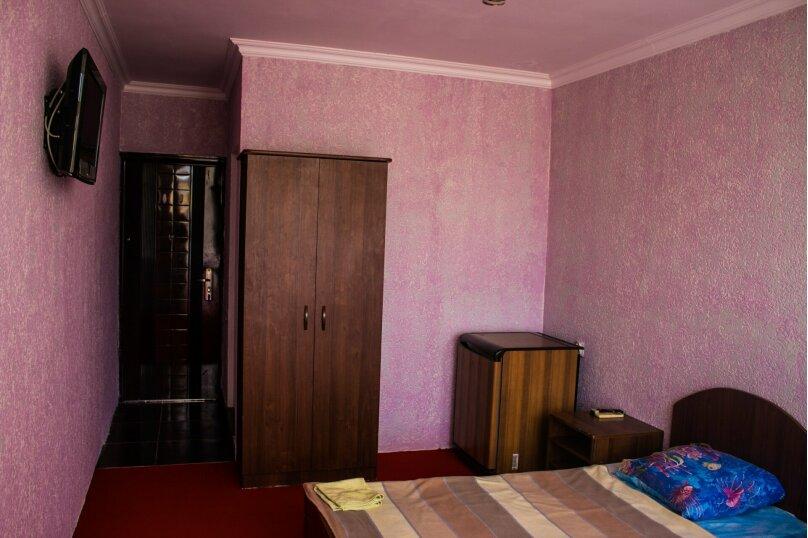 Четырехместный стандарт, улица Ленина, 286Б, Адлер, Курортный городок, Сочи - Фотография 1