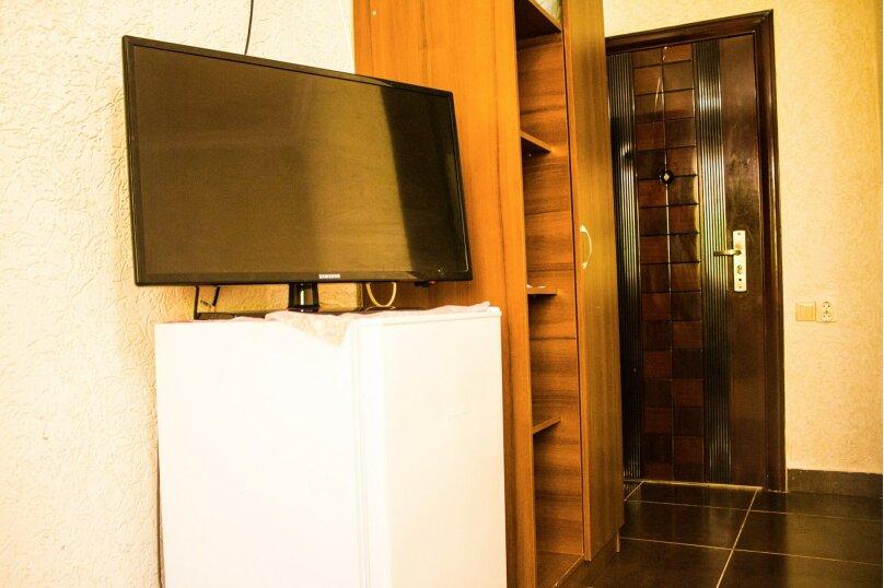 Отдельная комната, улица Ленина, 286Б, Адлер, Курортный городок, Сочи - Фотография 1