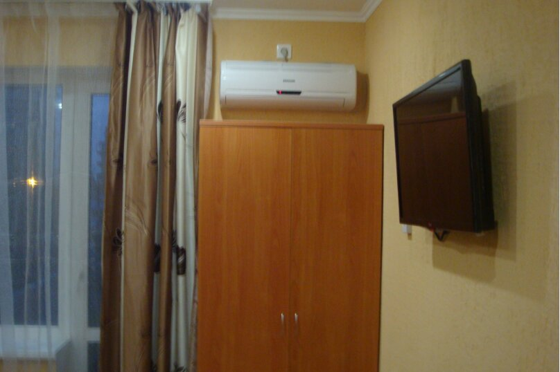 Гостевой дом Якорь+, Ивана Голубца, 50 на 5 комнат - Фотография 16