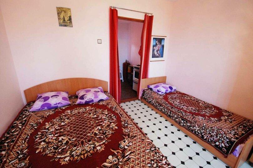Номер на 2 этаже со всеми удобствами с выходом на балкон на 4 гостей, улица Миндальная, 14, поселок Орджоникидзе, Феодосия - Фотография 1