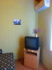 Двухкомнатный номер в частном секторе, сад!, 60 кв.м. на 5 человек, 2 спальни, улица Ленина, 22, Феодосия - Фотография 2
