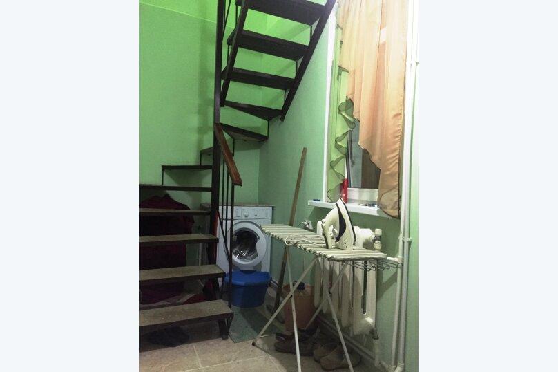 Гостевой домик из трёх раздельных комнат с цветочным балконом, 50 кв.м. на 8 человек, 3 спальни, Русская улица, 61/6А, Феодосия - Фотография 7