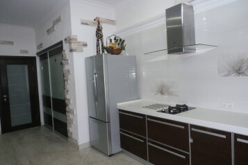 Дом, 80 кв.м. на 6 человек, 3 спальни, Революции, 5Б, Евпатория - Фотография 2