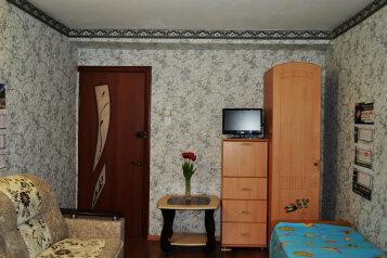 2-комн. квартира, 34 кв.м. на 8 человек, Овражная улица, 8, Витязево - Фотография 1
