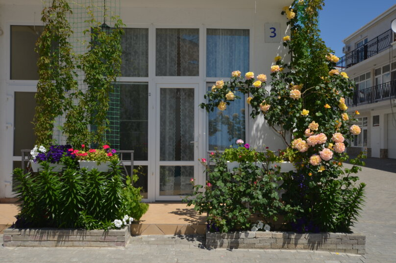 Отдельная комната, Двуякорная улица, 8, поселок Орджоникидзе, Феодосия - Фотография 1