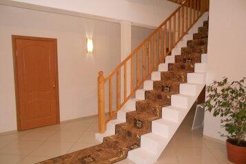 Дом, 220 кв.м. на 21 человек, 7 спален, 22 квартал, 1, Ростов - Фотография 2