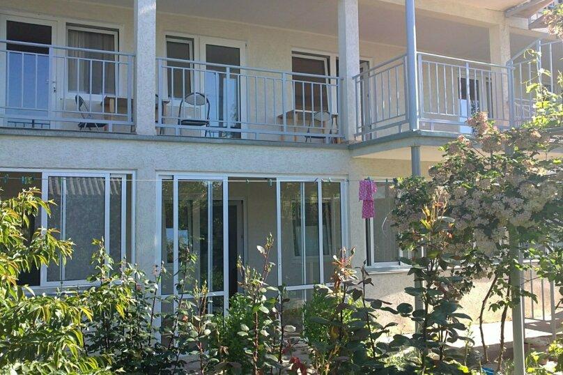 Гостевой дом Лето, Первомайская улица, 14 на 20 комнат - Фотография 1