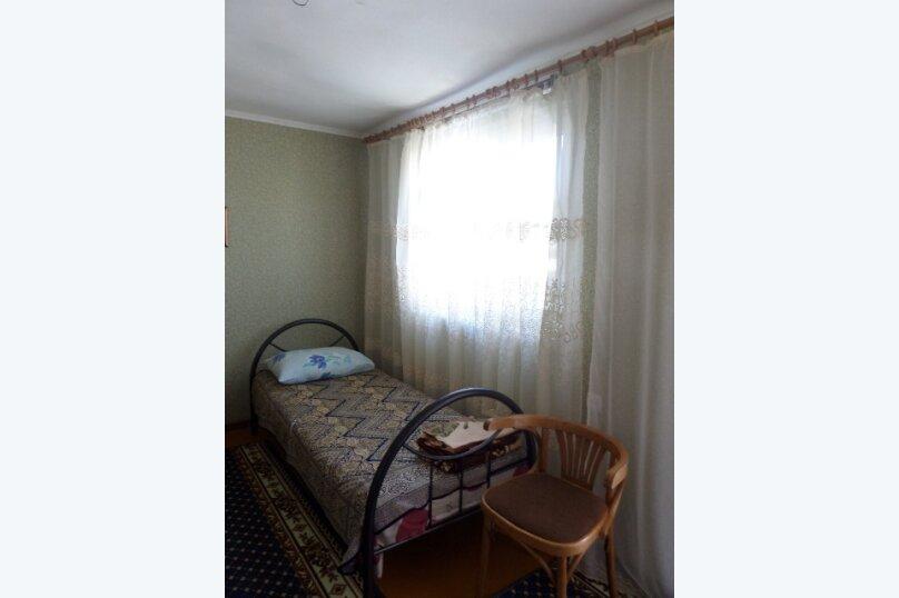 Сдается 2-х этажный домик, 30 кв.м. на 4 человека, 1 спальня, Таманская улица, 25, Ейск - Фотография 4