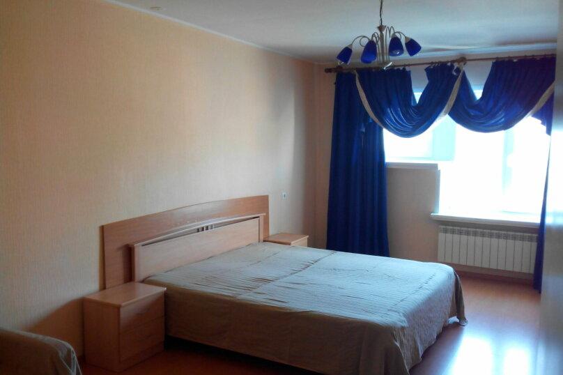 2-комн. квартира, 70 кв.м. на 10 человек, улица Ломоносова, 61, Новосибирск - Фотография 1