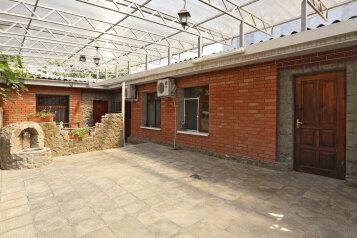 Дом, 70 кв.м. на 9 человек, 4 спальни, 4-й Степной проезд, 4, Феодосия - Фотография 1