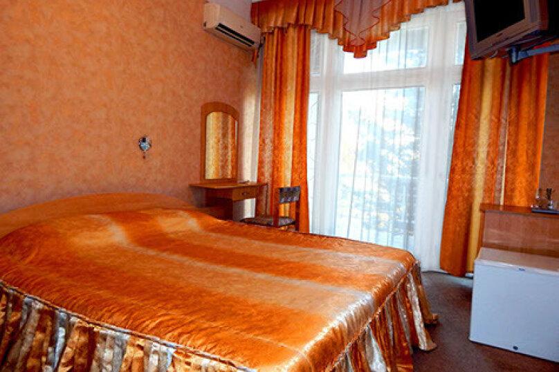 """""""Стандарт"""" -1большая кровать, проспект Героев Сталинграда, 43, Севастополь - Фотография 1"""