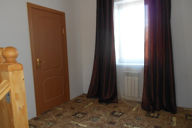 Дом, 220 кв.м. на 18 человек, 6 спален, 22 квартал, 1, Ростов - Фотография 8