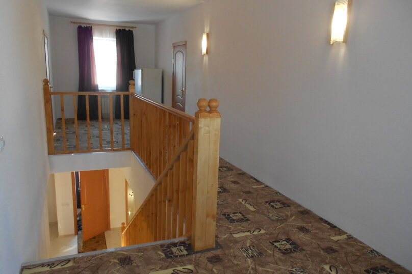 Дом, 220 кв.м. на 18 человек, 6 спален, 22 квартал, 1, Ростов - Фотография 9