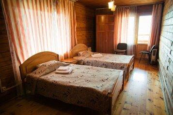 """Гостевой дом """"Приречный"""", Магаданская улица, 16 на 5 комнат - Фотография 1"""
