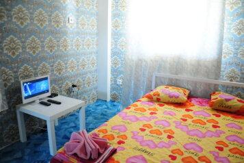 Любавина дача, 80 кв.м. на 8 человек, 2 спальни, Радужная улица, село Сукко - Фотография 2