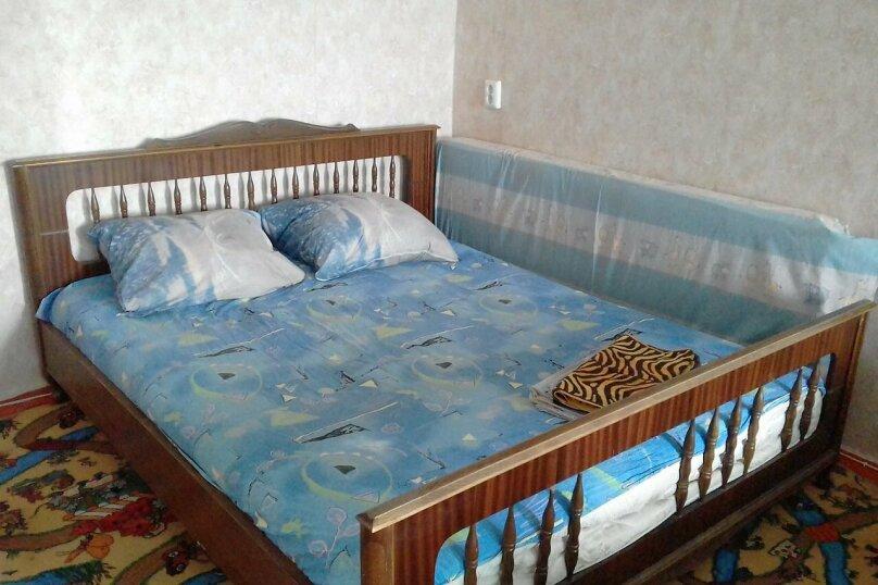 1-комн. квартира, 32 кв.м. на 4 человека, Республиканская улица, 4, Волгоград - Фотография 1