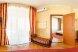 Люкс с балконом двухкомнатный, улица Слуцкого, 29, Лазурное, Алушта с балконом - Фотография 1