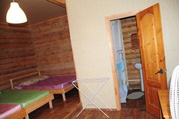 Хуторок, 80 кв.м. на 11 человек, 3 спальни, Радужная улица, село Сукко - Фотография 2