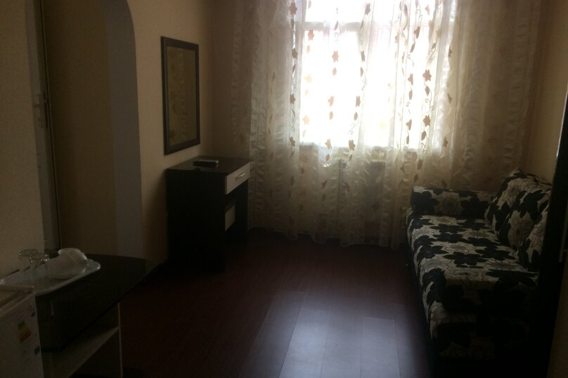Двух комнатный с удобствами, улица Чкалова, 24, Сочи - Фотография 1