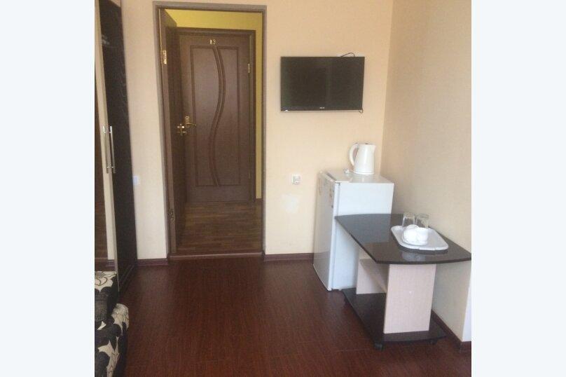 Кипарис, улица Чкалова, 24 на 22 комнаты - Фотография 11