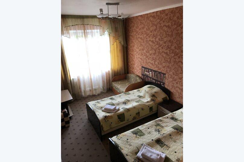 2х местный Комфорт с балконом, улица Чкалова, 10/8, Адлер - Фотография 1