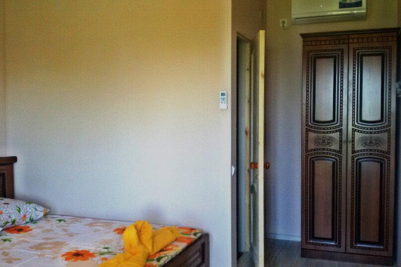 """Гостевой дом """"Бугенвилия"""", Сухумское шоссе, 162/1 на 8 комнат - Фотография 11"""