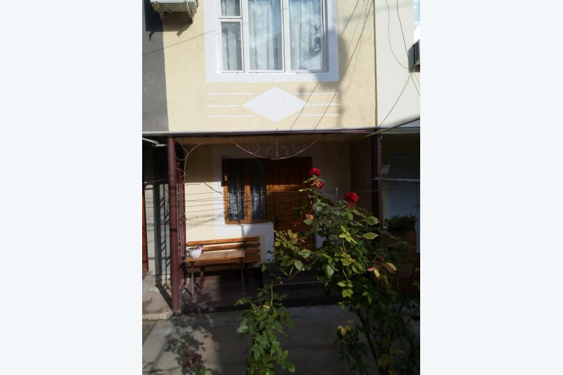 Коттедж, 28 кв.м. на 3 человека, 1 спальня, переулок Лукичева, 4, Евпатория - Фотография 1