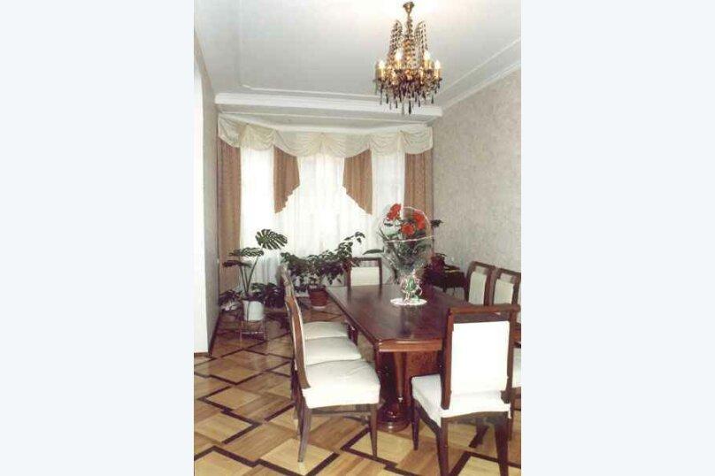 4-комн. квартира, 160 кв.м. на 6 человек, 8-я линия Васильевского острова, 53, Санкт-Петербург - Фотография 2