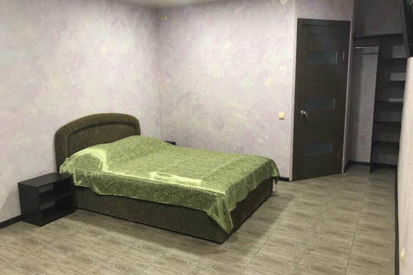Номер 2 второй этаж, улица Вересаева, 60, Феодосия - Фотография 1