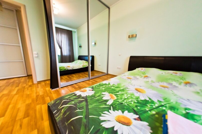 2-комн. квартира, 70 кв.м. на 4 человека, улица Гайдара, 13, Хабаровск - Фотография 3