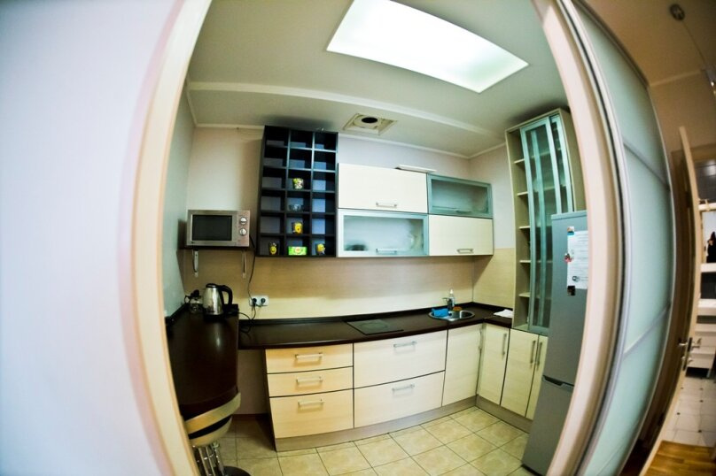 2-комн. квартира, 70 кв.м. на 4 человека, улица Гайдара, 13, Хабаровск - Фотография 9