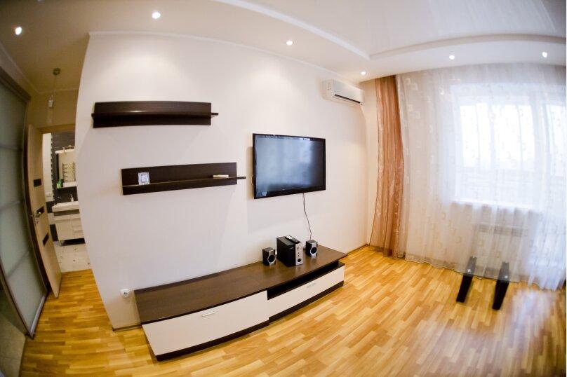 2-комн. квартира, 70 кв.м. на 4 человека, улица Гайдара, 13, Хабаровск - Фотография 14