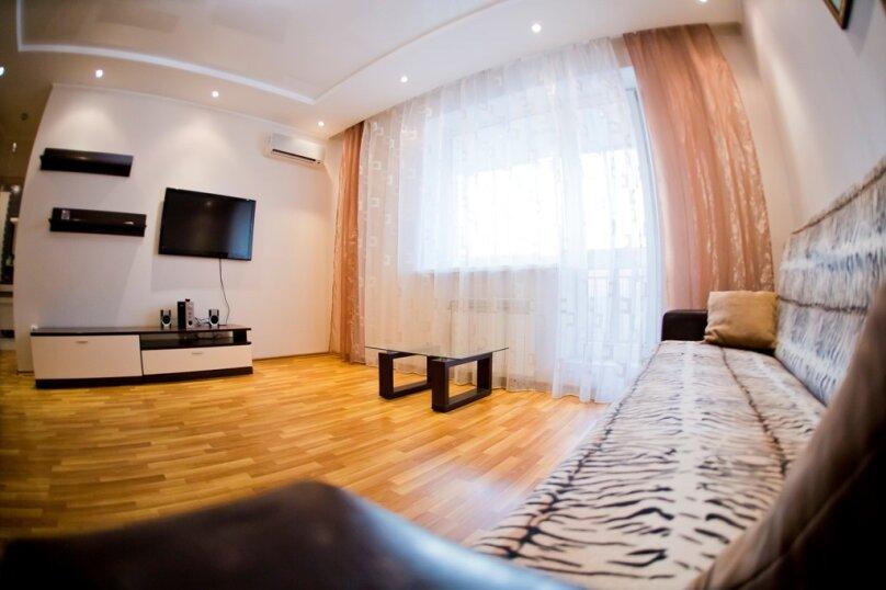 2-комн. квартира, 70 кв.м. на 4 человека, улица Гайдара, 13, Хабаровск - Фотография 16