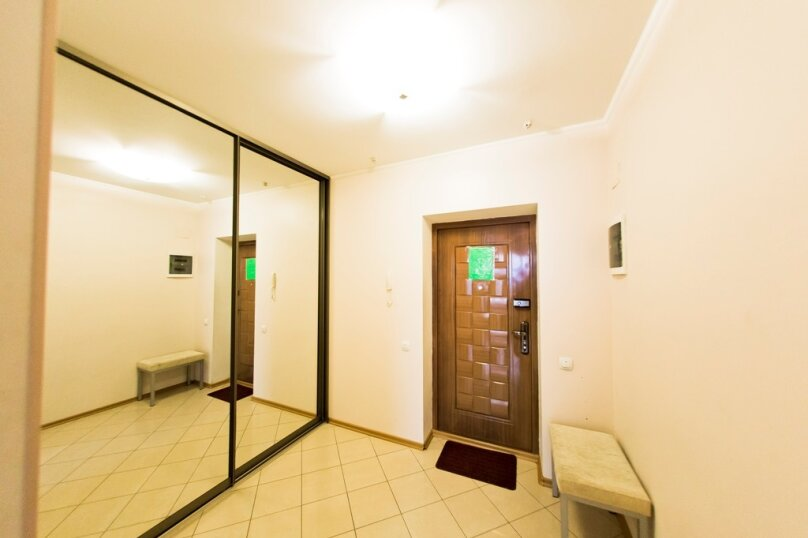 2-комн. квартира, 70 кв.м. на 4 человека, улица Гайдара, 13, Хабаровск - Фотография 18