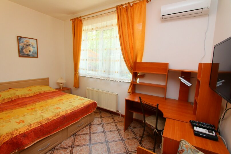 Гостевой дом У Любы, улица Лермонтова, 18 на 16 комнат - Фотография 31