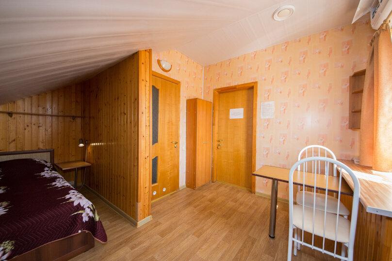 Гостевой дом У Любы, улица Лермонтова, 18 на 16 комнат - Фотография 35