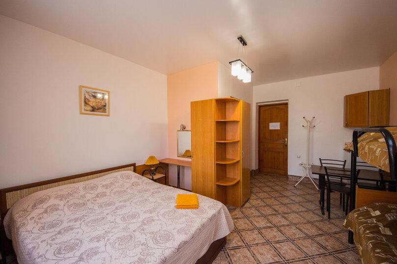 Гостевой дом У Любы, улица Лермонтова, 18 на 16 комнат - Фотография 11