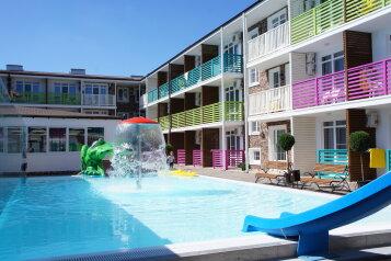"""Отель """"Sea Breeze Resort"""", улица Верхняя Дорога, 141 на 166 номеров - Фотография 1"""