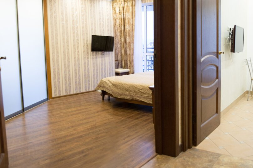 2-комн. квартира, 40 кв.м. на 5 человек, переулок Богдана Хмельницкого, 10, Адлер - Фотография 2