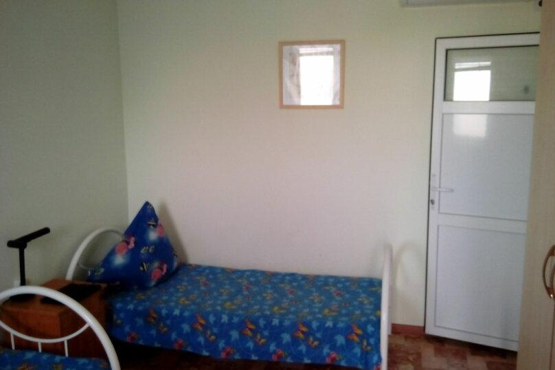 Номера:Двухместные 2-ой этаж.(кол-во:2), улица Седина, 9, Ейск - Фотография 6