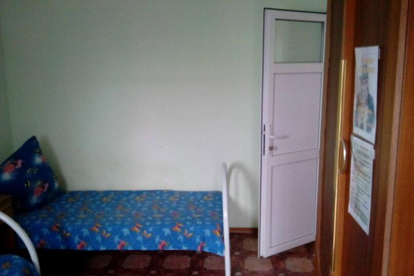 Номера двухместные на первом этаже(количество-2-а), улица Седина, 9, Ейск - Фотография 6