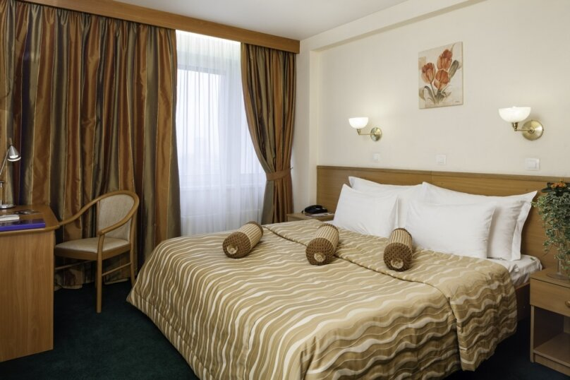 Делюкс широкая кровать, Измайловское шоссе, 71к3В, Москва - Фотография 1