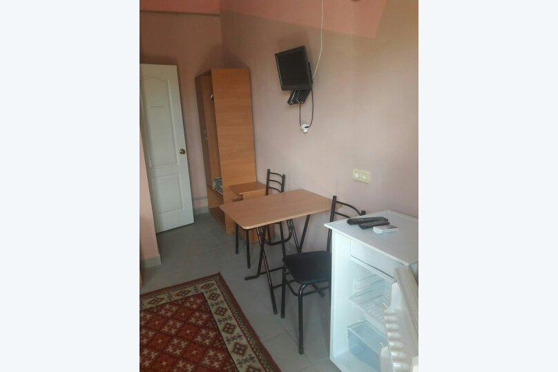 """Гостевой дом """"Лето"""", Солнечная, 12 на 7 комнат - Фотография 11"""