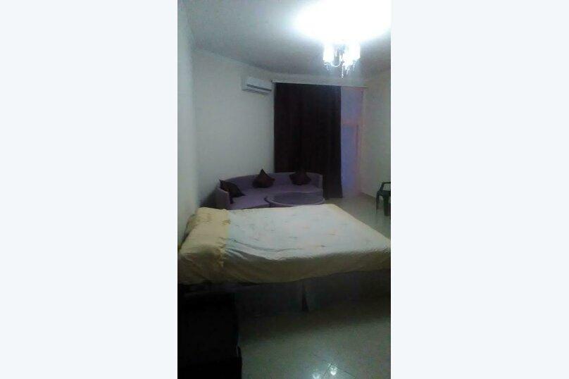 Двухместный номер с одной двуспальной кроватью и дополнительной кроватью, Каламитская улица, 22, село Прибрежное (Евпатория) - Фотография 2