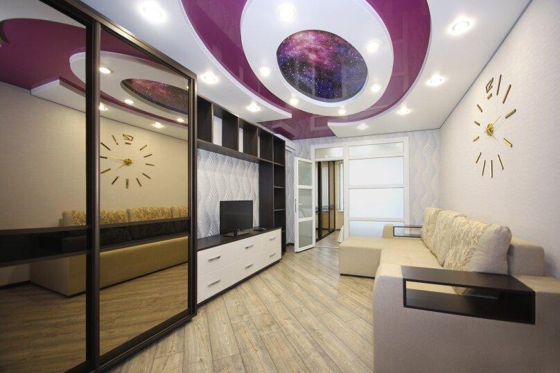 2-комн. квартира, 60 кв.м. на 4 человека, улица Лермонтова, 19А, Белгород - Фотография 1